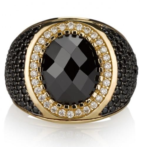 צילום תכשיטים - טבעת עם אבן